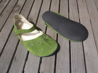 merry-moc-green