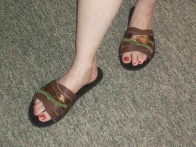 leah-layered-sandal-foot