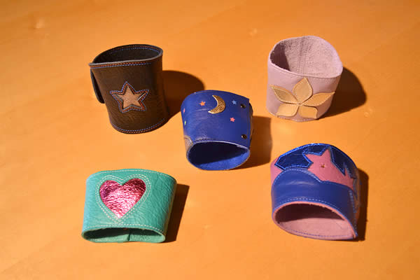 handmade-leather-coffee-cup-holders