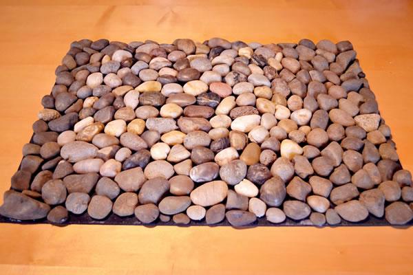 diy-pebble-rock-mat